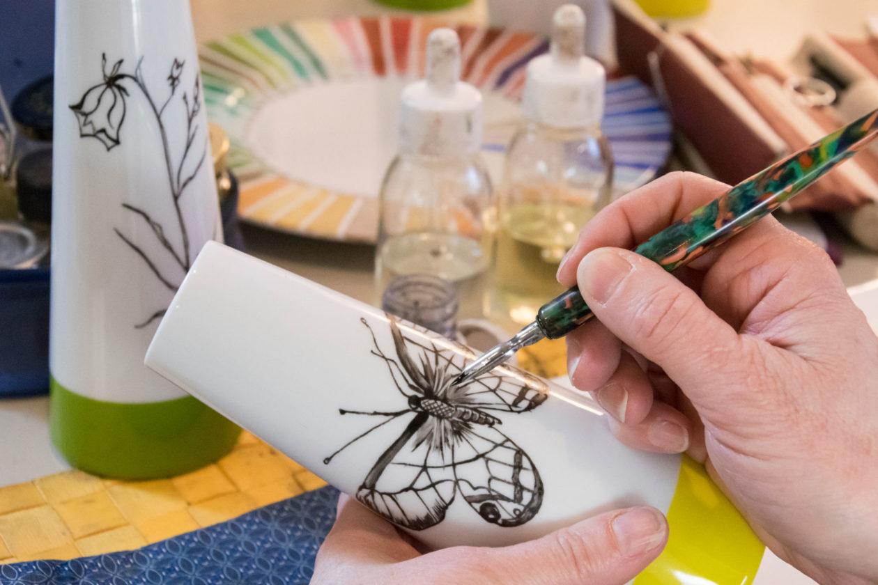 Customised creation on porcelain